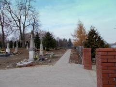 2015.11.07 - Budowa chodnika na cmentarzu w Grabowcu